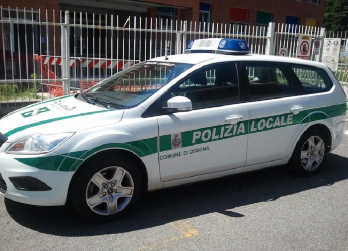 auto-polizia-locale-ossona