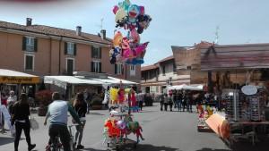 Sagra-di-primavera_Cuggiono_10aprile2016_palloncini