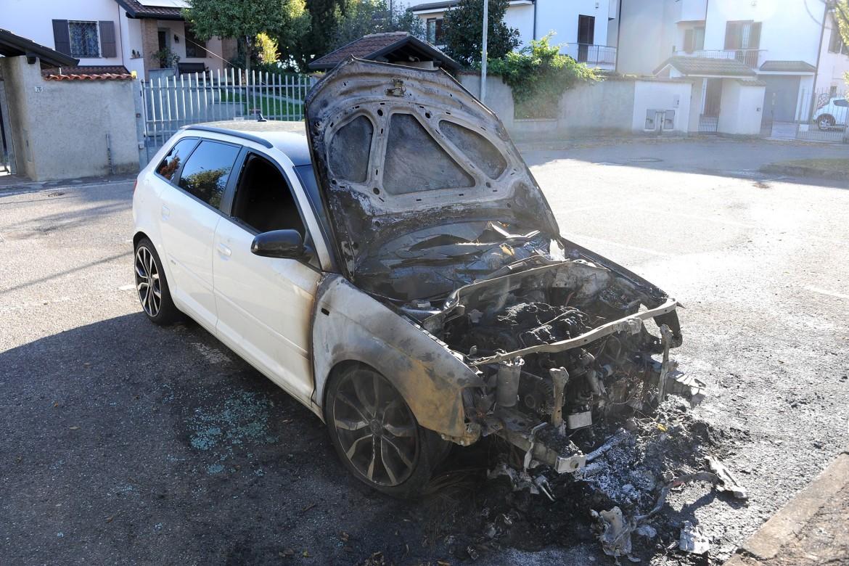 Albairate - Auto bruciata