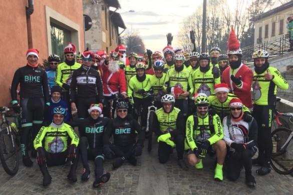 alcuni dei ciclisti partecipanti nella scorsa edizione