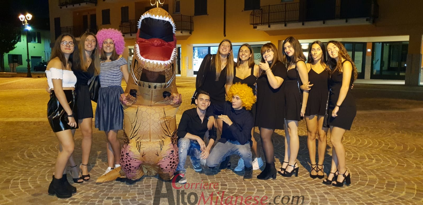 Un Dinosauro per augurare alle gemelle Giulia e Elisa un… Buon Compleanno a0881647017c